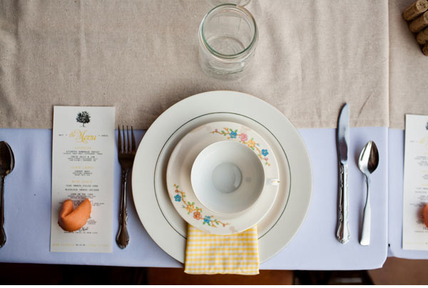 vintage mismatched plates table setting