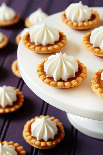 mini pumpkin pies for fall wedding