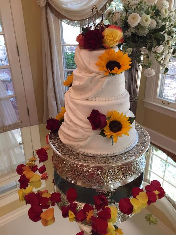 fall wedding bouquet cake kacie cooper floral designer