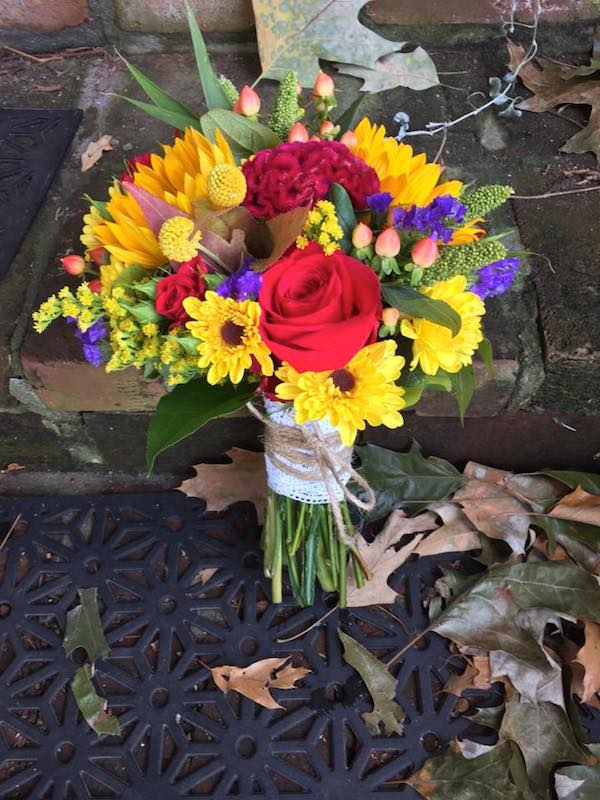 yellow fall wedding flowers by kacie cooper floral designer