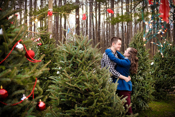 christmas engagement proposal photo ideas