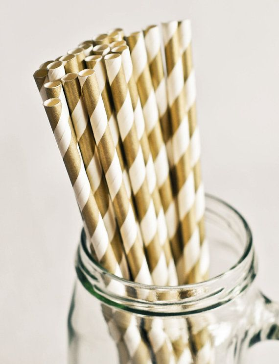 gold paper straws - gold wedding inspiration