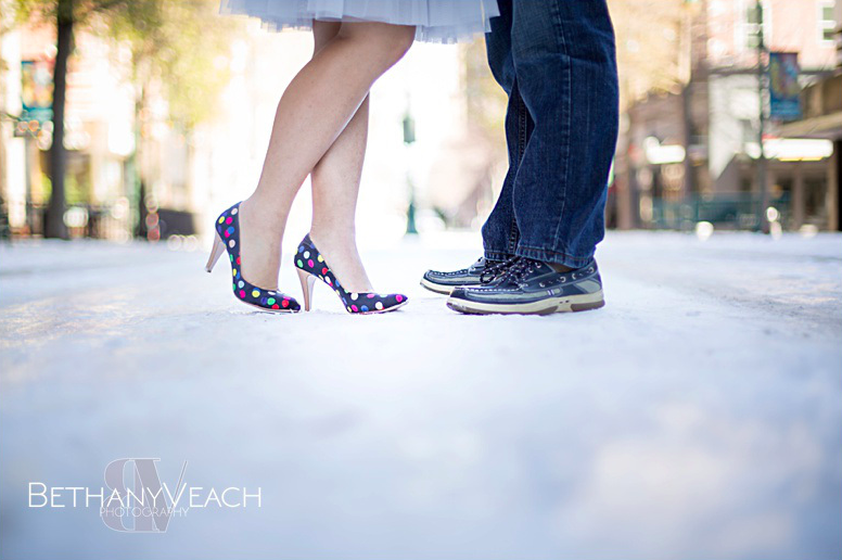 Memphis engagement snow  - Bethany Veach Photography - midsouthbride.com