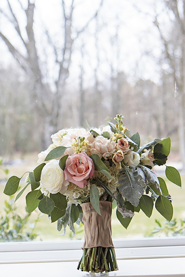 Tennessee Spring Inspired Wedding - Photo by Blush Creative Photography 4- midsouthbride.com