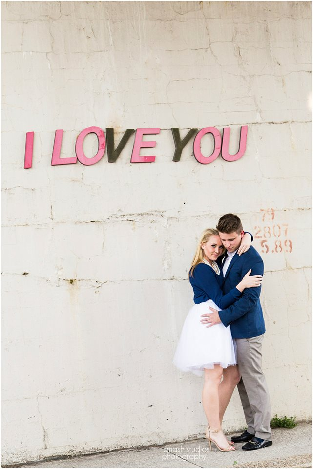 memphis engagement photo i love you - smash studios photography - midsouthbride