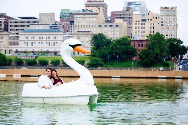 memphis engagement photo idea swan boats - photo by Melissa McMasters - midsouthbride.com