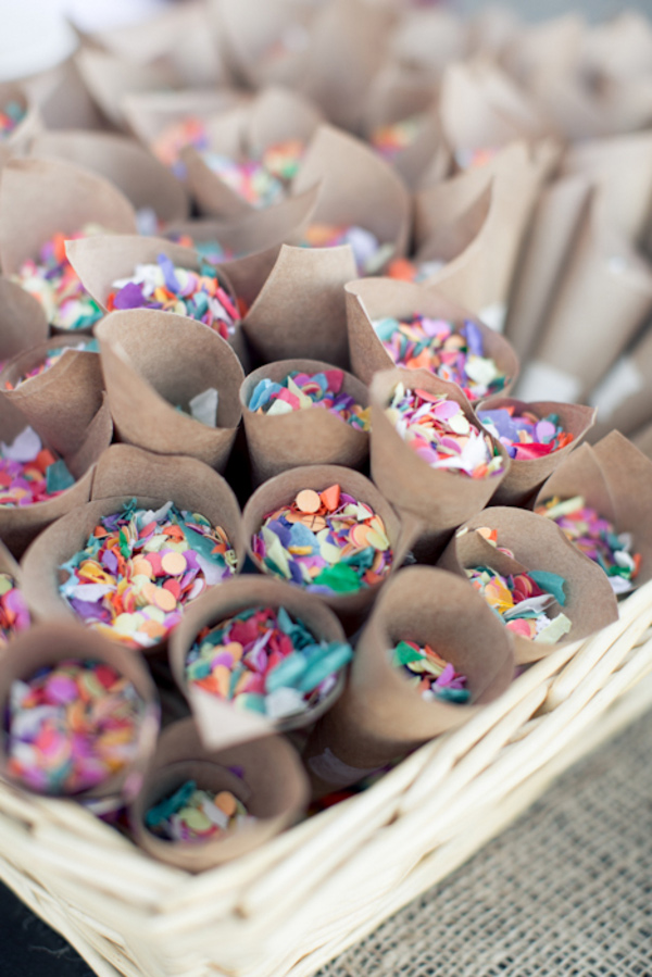 wedding confetti cones - photo  Isabelle Selby Photography