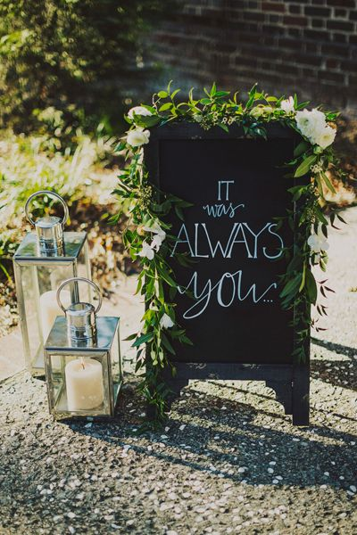 wedding lantern decor - photo by  Ariel Renae Photography - midsouthbride