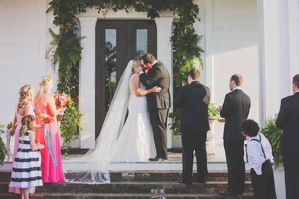 Kate Spade Inspired Jackson Tennessee Wedding 20 - photo by Teale Photography - midsouthbride.com