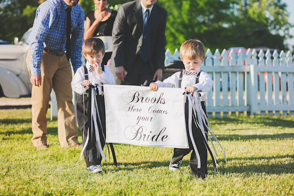 Kate Spade Inspired Jackson Tennessee Wedding 3 - photo by Teale Photography - midsouthbride.com