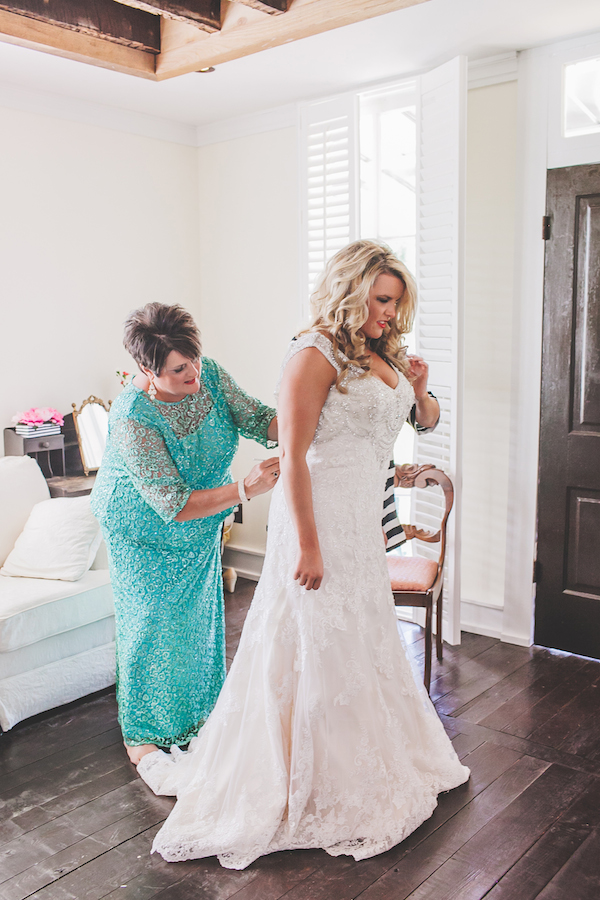 Kate Spade Inspired Tennessee Wedding 24 - photo by Teale Photography - midsouthbride.com
