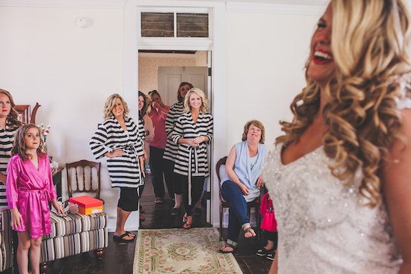 Kate Spade Inspired Tennessee Wedding 25 - photo by Teale Photography - midsouthbride.com