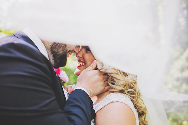 Kate Spade Inspired Tennessee Wedding First Look 14 - photo by Teale Photography - midsouthbride.com