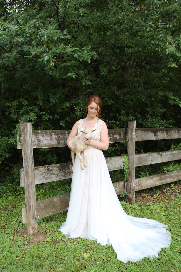 farm bridal shoot from Confete Events in Mississippi weddings - midsouthbride.com