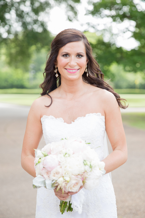 Laura & Michael's Memphis Country Club Wedding  26 - photo by Bethany Veach Photography - midsouthbride.com