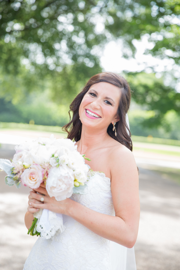 Laura & Michael's Memphis Country Club Wedding 27 - photo by Bethany Veach Photography - midsouthbride.com