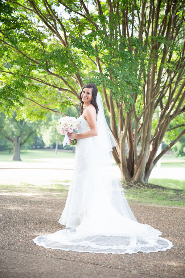 Laura & Michael's Memphis Country Club Wedding 38 - photo by Bethany Veach Photography - midsouthbride.com