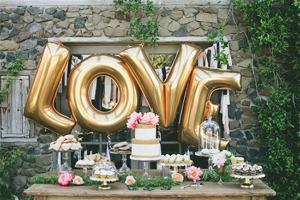 love giant letter balloons for wedding dessert table