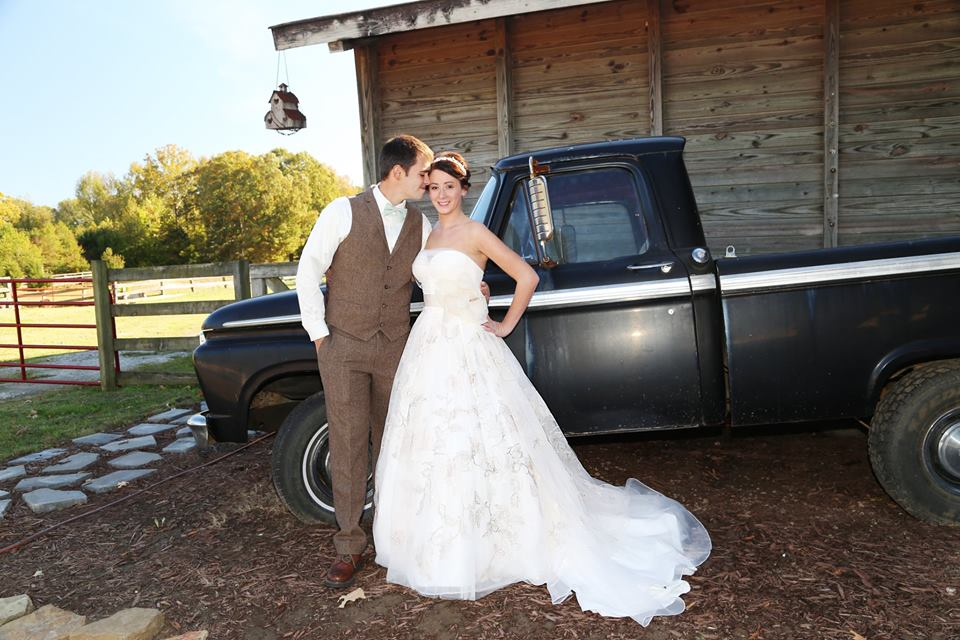 wedding photos of The Bridge at Chrisleigh Farms