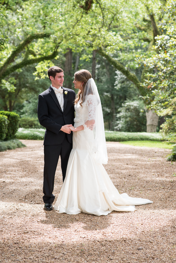 Mary Claire & Will's Southern Plantation Mississippi Wedding - photo by Adam & Alli Photography - midsouthbride.com 16