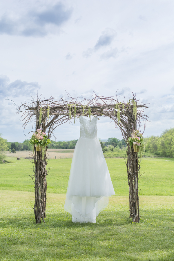 Brittany & JD's Rustic Tennessee Farm Wedding - photo by Ivory Door Studios - midsouthbride.com 12