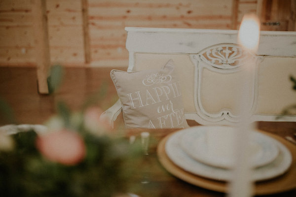 Sparkle Styled Shoot - Kelsey Hawkins Photography - midsouthbride.com 14
