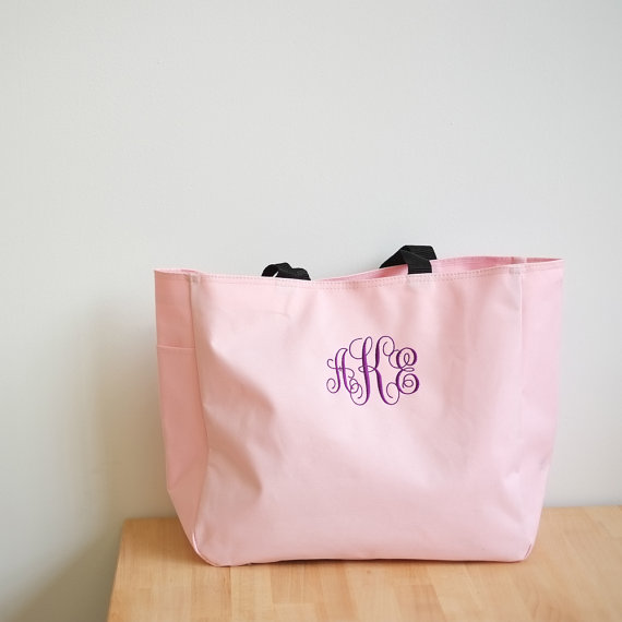 Bridesmaid tote bag as a bridesmaid gift