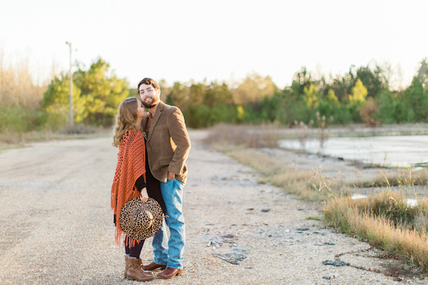 Melissa & Wade's Small Town Mississippi Engagement - photo by Daesha Marie Photography - midsouthbride.com 13