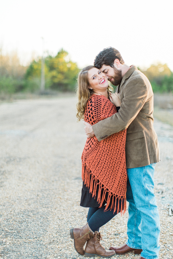 Melissa & Wade's Small Town Mississippi Engagement - photo by Daesha Marie Photography - midsouthbride.com 17