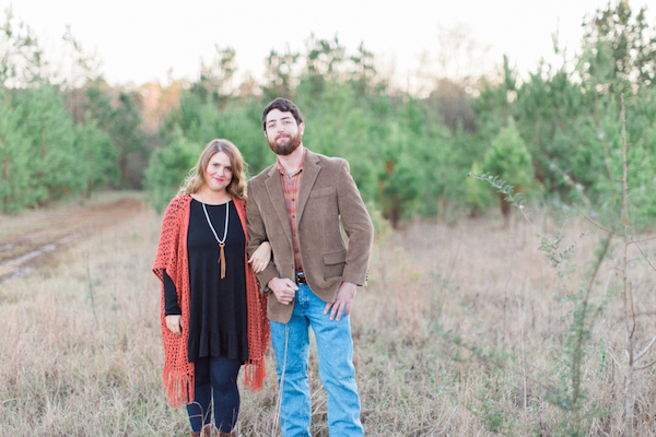 Melissa & Wade's Small Town Mississippi Engagement - photo by Daesha Marie Photography - midsouthbride.com 22