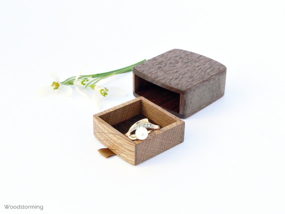 Engagement ring box ideas - slim ring box by Woodstorming